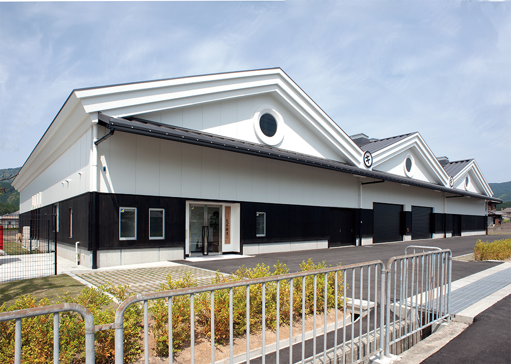 醤油醸造工場:外壁(ボルトレスB3)
